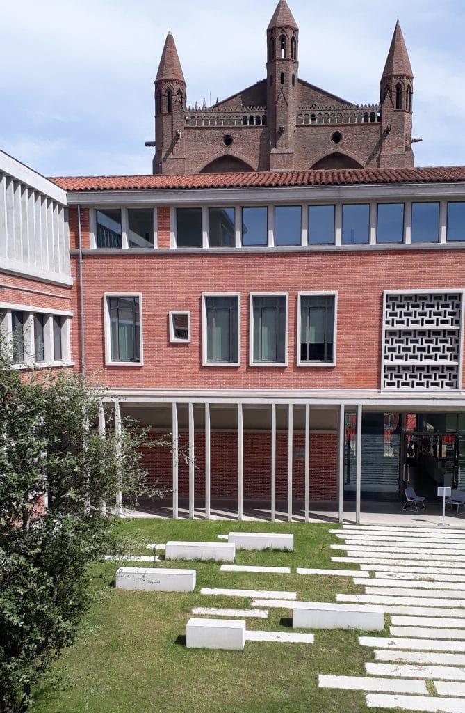 Patio du Lycée Fermat - Toulouse, W architecture