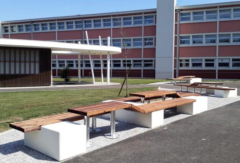 Banquette du lycée Saint Cricq de Pau, MV architectes