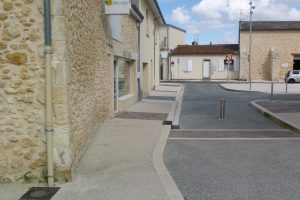 Myway PVT - projet de Castelnau de Médoc, Edanlo, bordure 20x28, finition ocre grenaillée 2