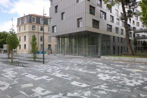 PVT - projet Urban Art BMA, cabinet Squad, dalle 100x50x12 adoucie batzan et gris spécial 1