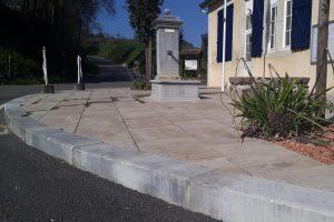 PVT - projet de la mairie de Laneplaa, CC Lacq Orthez, dalle 60x40 travertino marbrée, bordure 20x30 Acero marbrée, détail 3