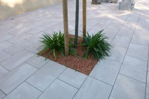PVT - projet de la mairie de Laneplaa, CC Lacq Orthez, dalle 60x40 travertino marbrée, bordure 20x30 Acero marbrée, détail