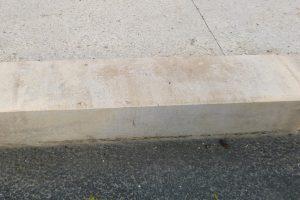 PVT - projet des quais de Libourne, Agence TER et BET Edanlo, bordure 25x28 double chanfrein 1x1, travertion spécial bordure 3